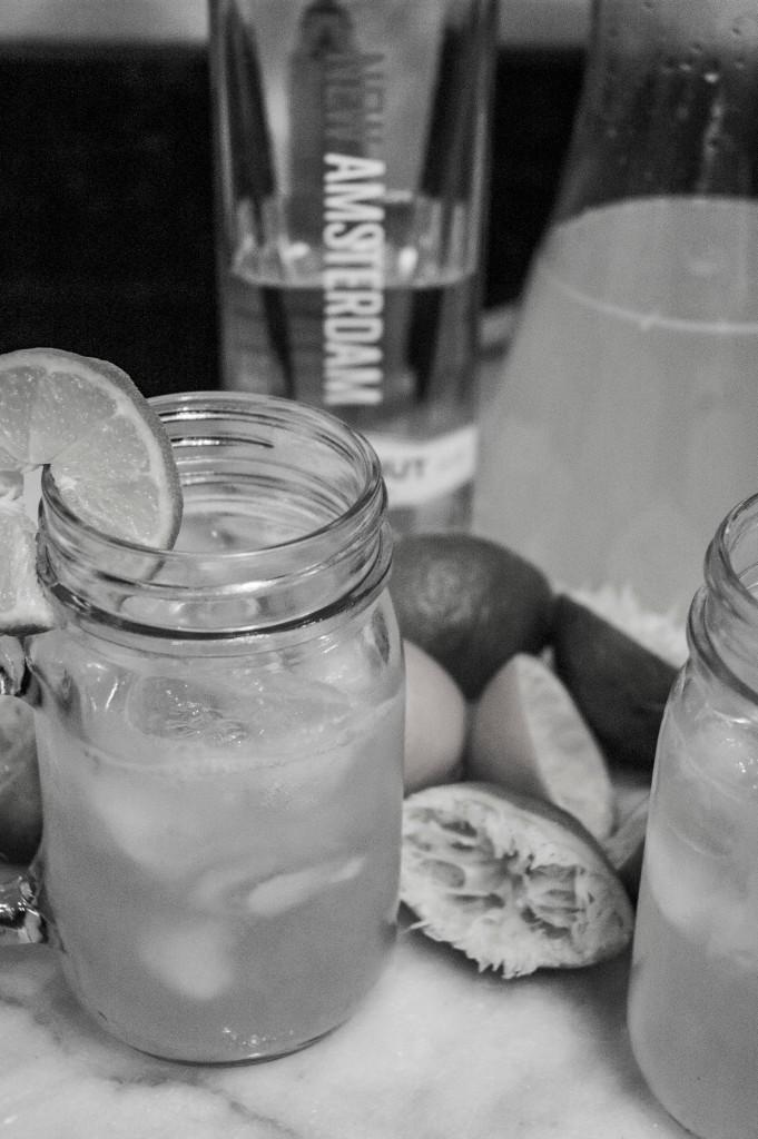 Drink Menu: Slinky Drinky black & white